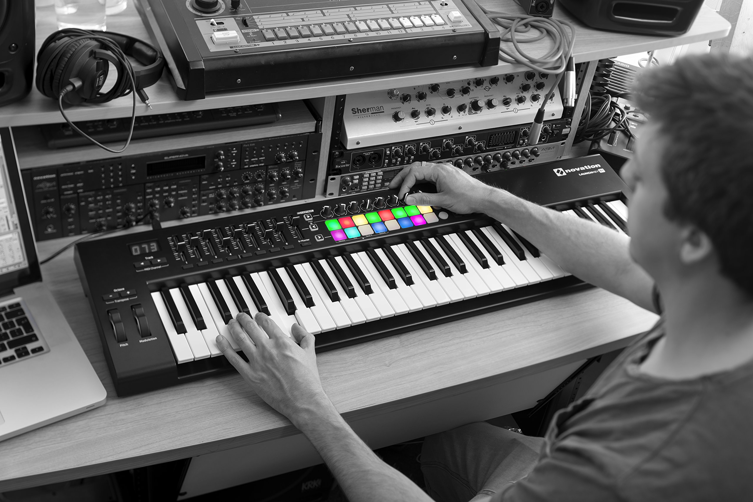 Novation Launchkey 61 USB Keyboard Controller for Ableton Live, 61-Note MK2 Version by Novation (Image #4)