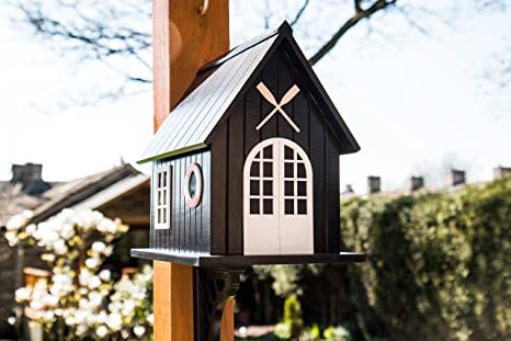 New England Style Birdhouse