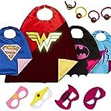 LAEGENDARY Costumi da Supereroi per Bambini - Regali di compleanno - Costumi di carnevale - 4 Mantelli e Maschere - Logo di Wonder Woman Visibile al Buio – Giocattoli per Bambini e Bambine