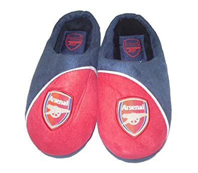 b6c79b41553 BOYS ARSENAL SLIPPERS (SIZE 3)  Amazon.co.uk  Shoes   Bags