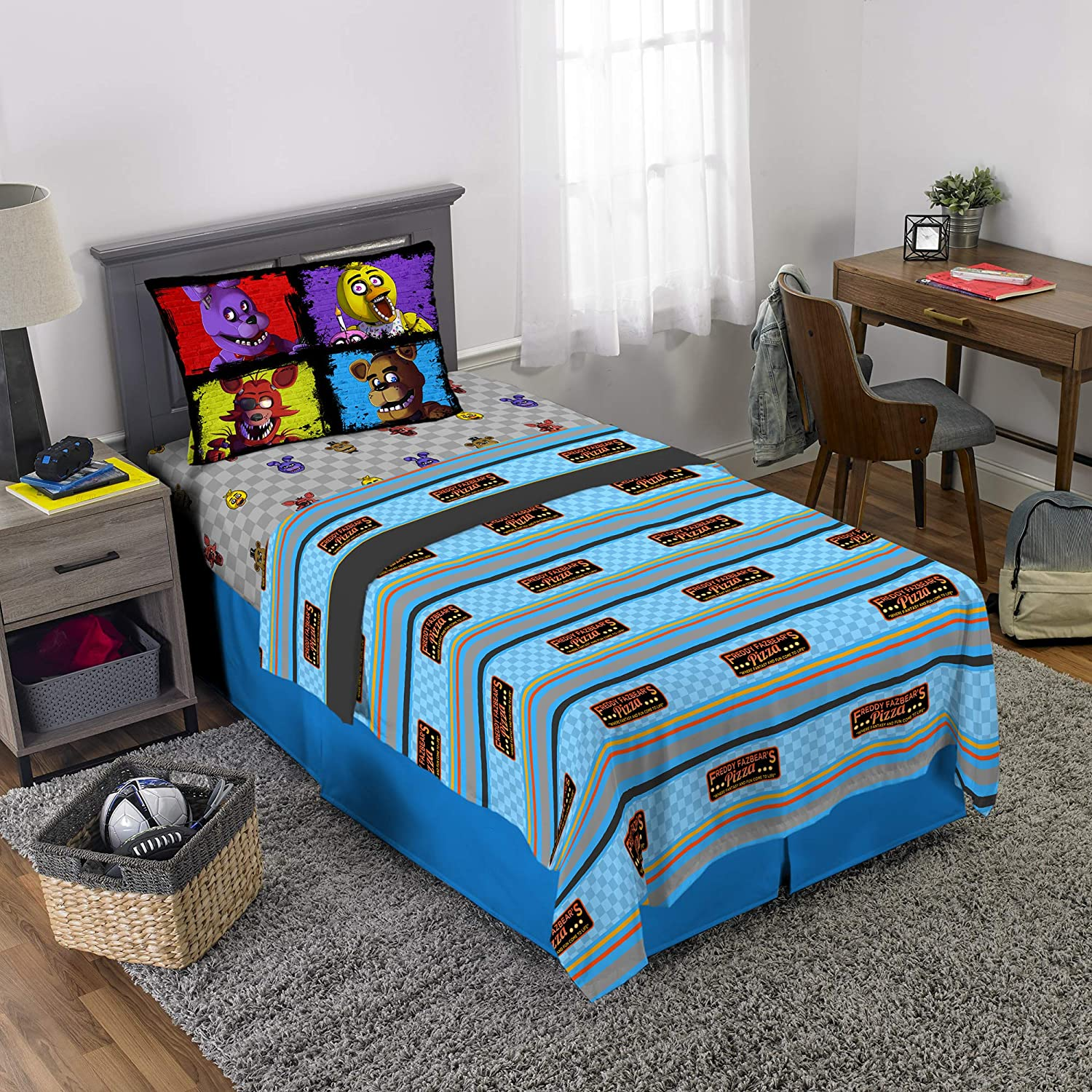 Scott Games Five Nights at Freddy's Pizza Security Sheet Set, Twin