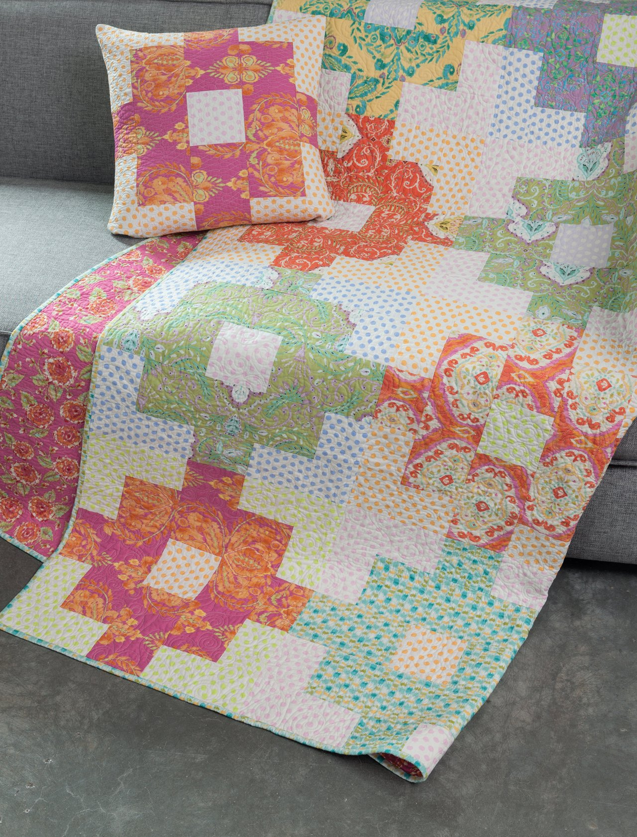 Think Big Quilts Runners And Pillows From 18 Blocks Amy Ellis