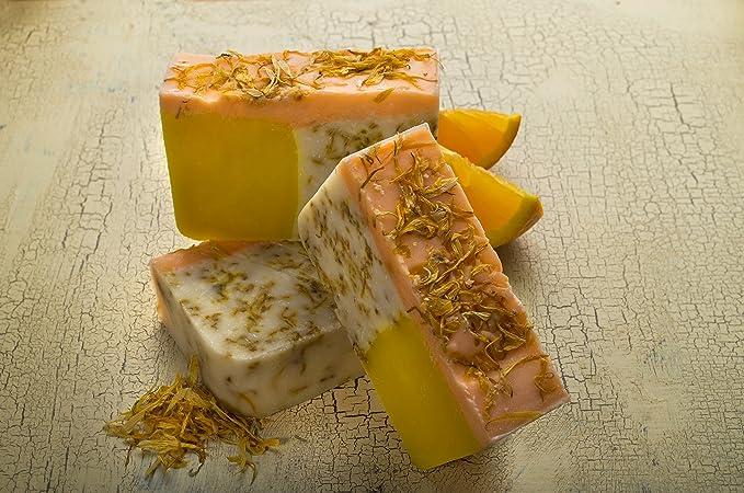 Pastilla de jabón de naranja con aceite de caléndula (4Oz)- Orgánico y artesanal con aceites esenciales. Jabón corporal y facial hidratante.