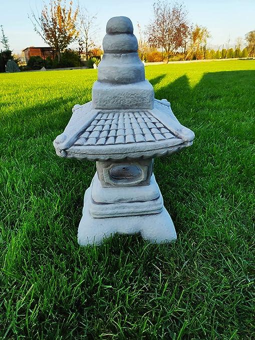 Adorno japonés vintage de piedra Pagoda