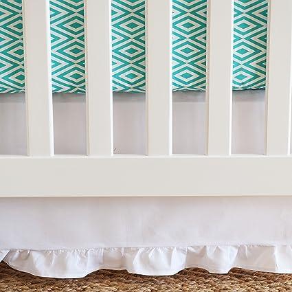 Amazon.com: Oliver B Cuna falda cama infantil, color blanco ...