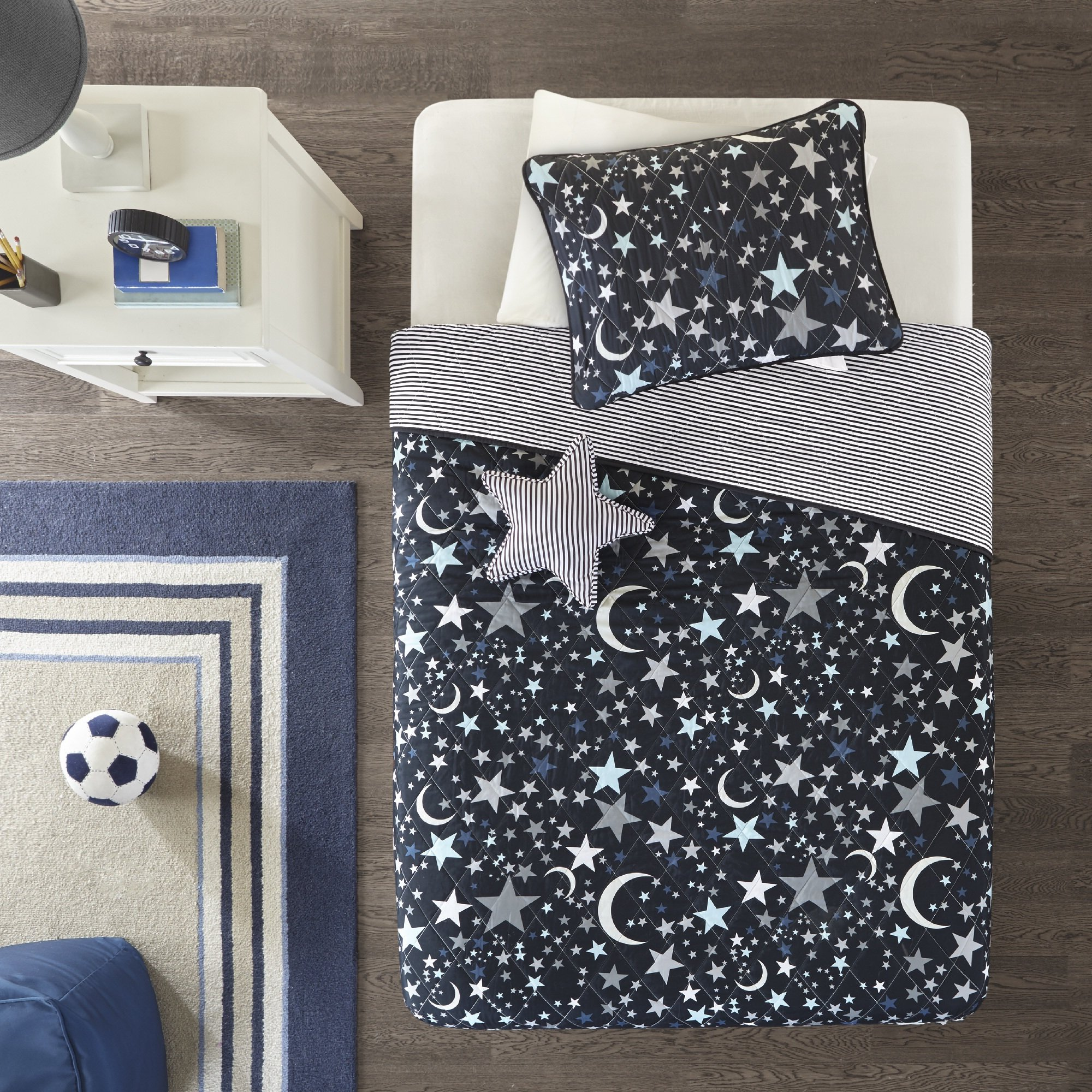 Dazzling, Ultra- Soft Stylish Kids Shooting Star Charcoal Printed Coverlet Set, Array of Stars and Moons in Shades of Grey, White, and Blue, Scattered Across the Charcoal Ground, Twin (FULL / QUEEN)