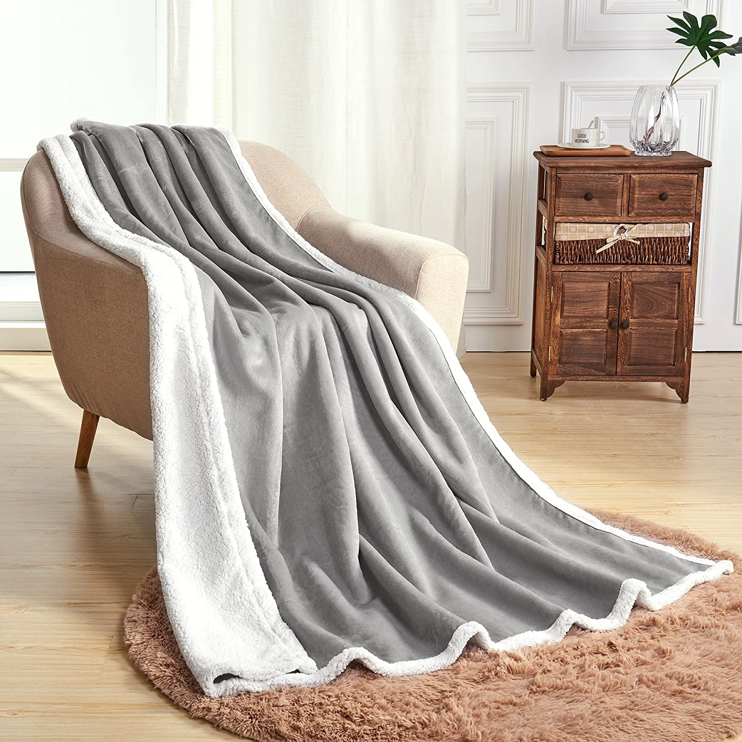 SyMax Sherpa Soft Reversible Warm Fluffy Microfiber Summer Blanket for Bed Or Couch(Throw, Light Gray)