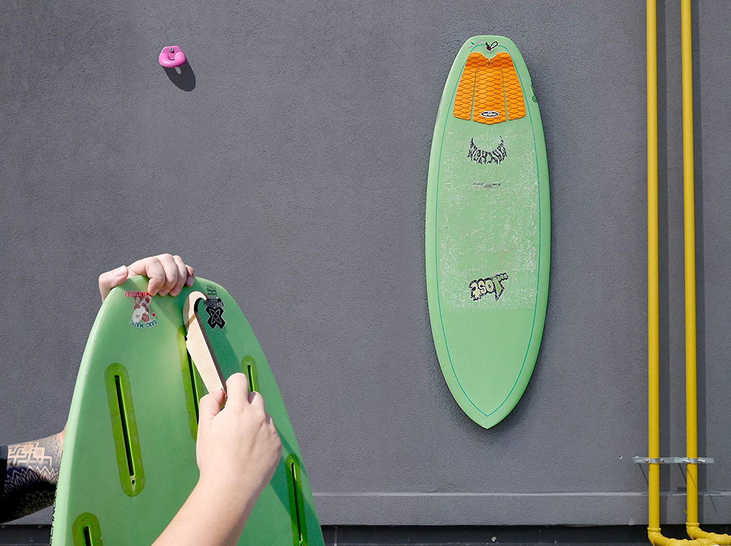 Patented Made in Canada Shepps Hidden Surfboard Wall Mount for FCS//Future//Single Fin Plug