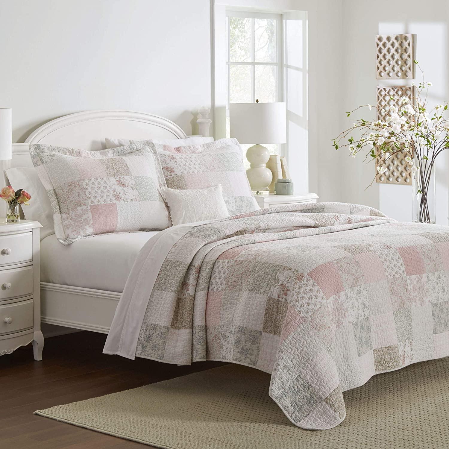 Laura Ashley Home | Celina Patchwork Collection | Luxury Premium Ultra Soft Quilt Coverlet, Comfortable 3 Piece Bedding Set, All Season Stylish Bedspread, Full/Queen, Pink/Sage