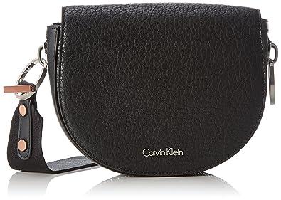 Damen Metropolitan Saddle Bag Umhängetasche, 7 x 18 x 26 cm, Schwarz (Black/001) Calvin Klein