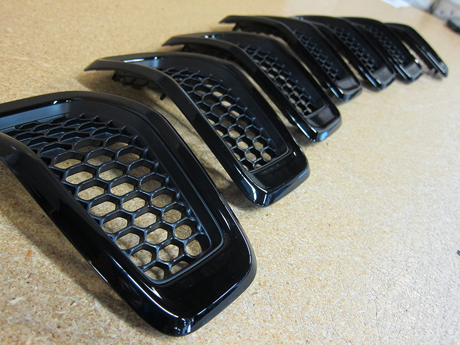 Jeep Cherokee Gloss Black Front Grille Grill Inserts Mopar OEM