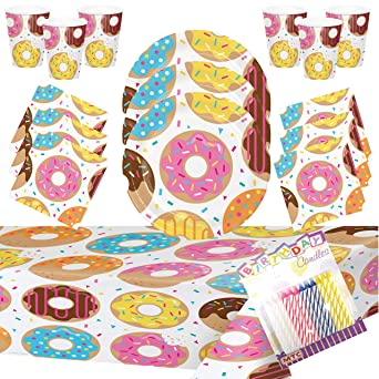 Amazon.com: Donut Party Supplies Pack sirve 16 platos de ...