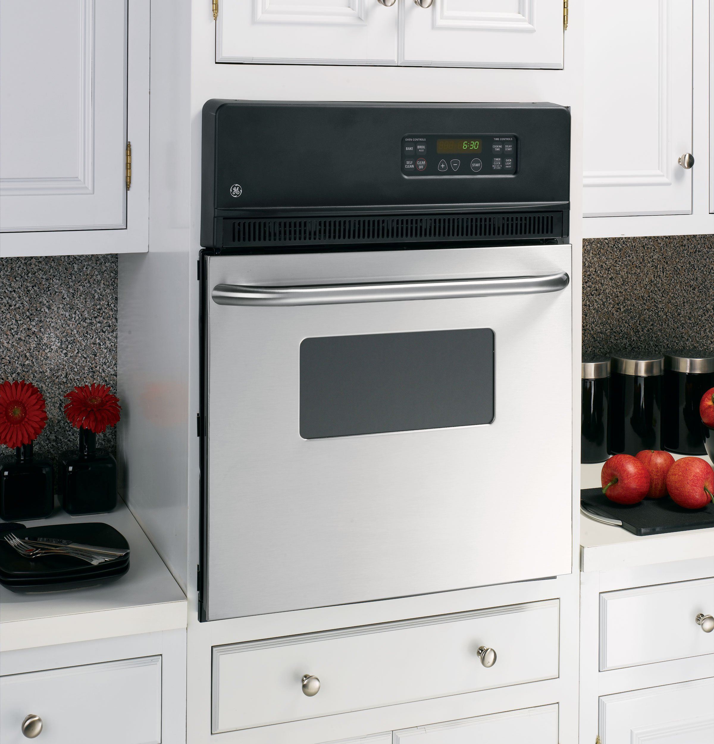 GE JRP20SKSS 24'' 2.7 cu. ft. Total Capacity Electric Single Wall Oven in Stainless Steel