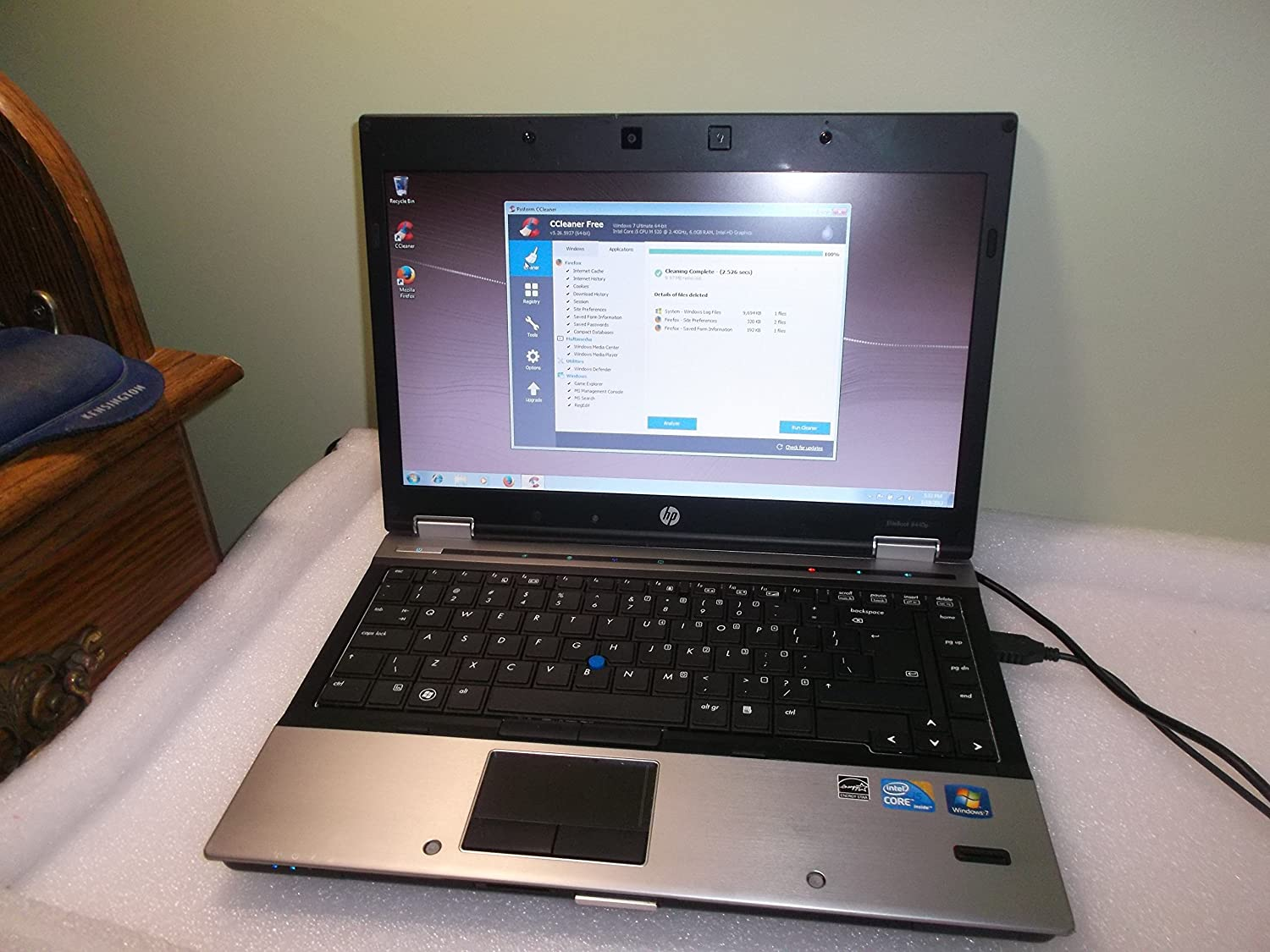 HP Elitebook 8440p Laptop WEBCAM - Core i5 2.4ghz - 4GB DDR3 - 320GB HDD - DVDRW - Windows 7 Pro