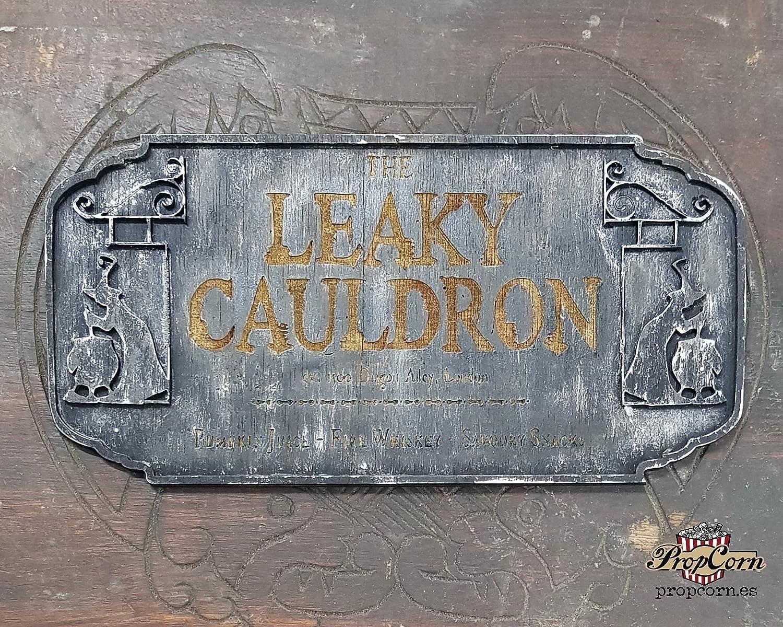 Harry Potter undichte Kessel Wood Sign. Dein Lieblings-Inn, wo du willst. Hergestellt aus Holz und handbemalt und für einen Filmlook gealtert.