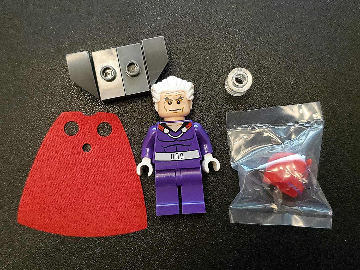 LEGO Marvel Super Heroes X-Men Minifigure - Magneto Dark Purple with Helmet and Hair (76022)
