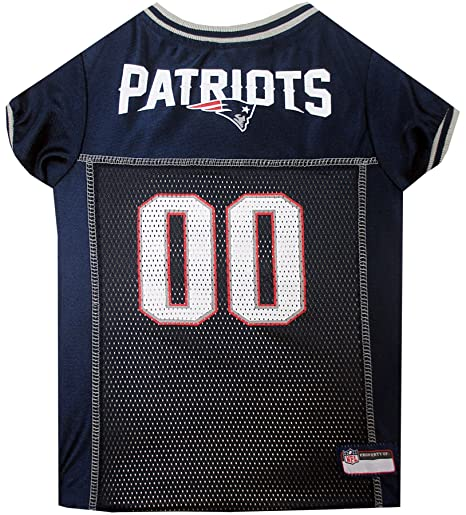 Amazon.com   NFL NEW ENGLAND PATRIOTS DOG Jersey dc15f6fea