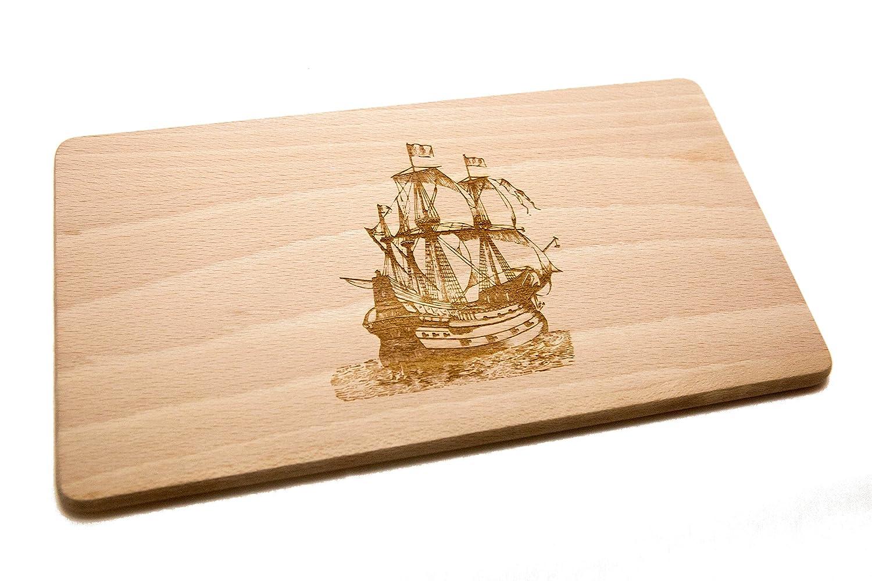 R della stickt tagliere per colazione in legno di faggio con incisione laser barca a vela (laterale) Holzkaufhaus
