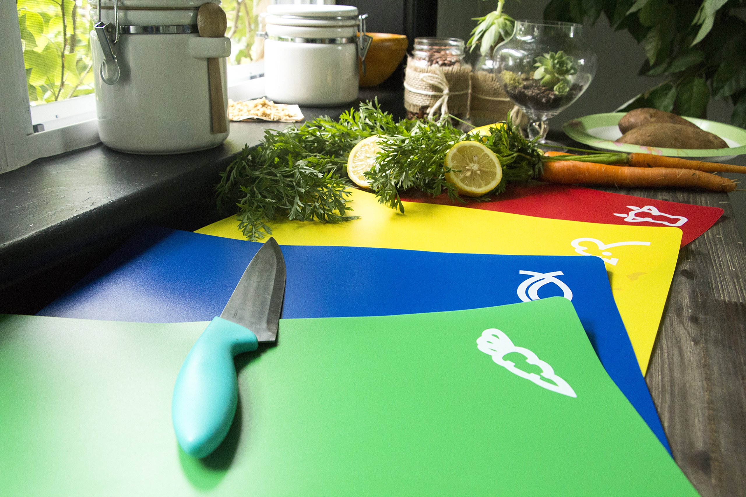 Bahoki Essentials 4 Piece Flexible Plastic Cutting Board, Placemat Set with Food Icons by BaHoki Essentials (Image #3)