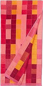 AmazonBasics Oversized Premium Beach Towels - Pink Pixels
