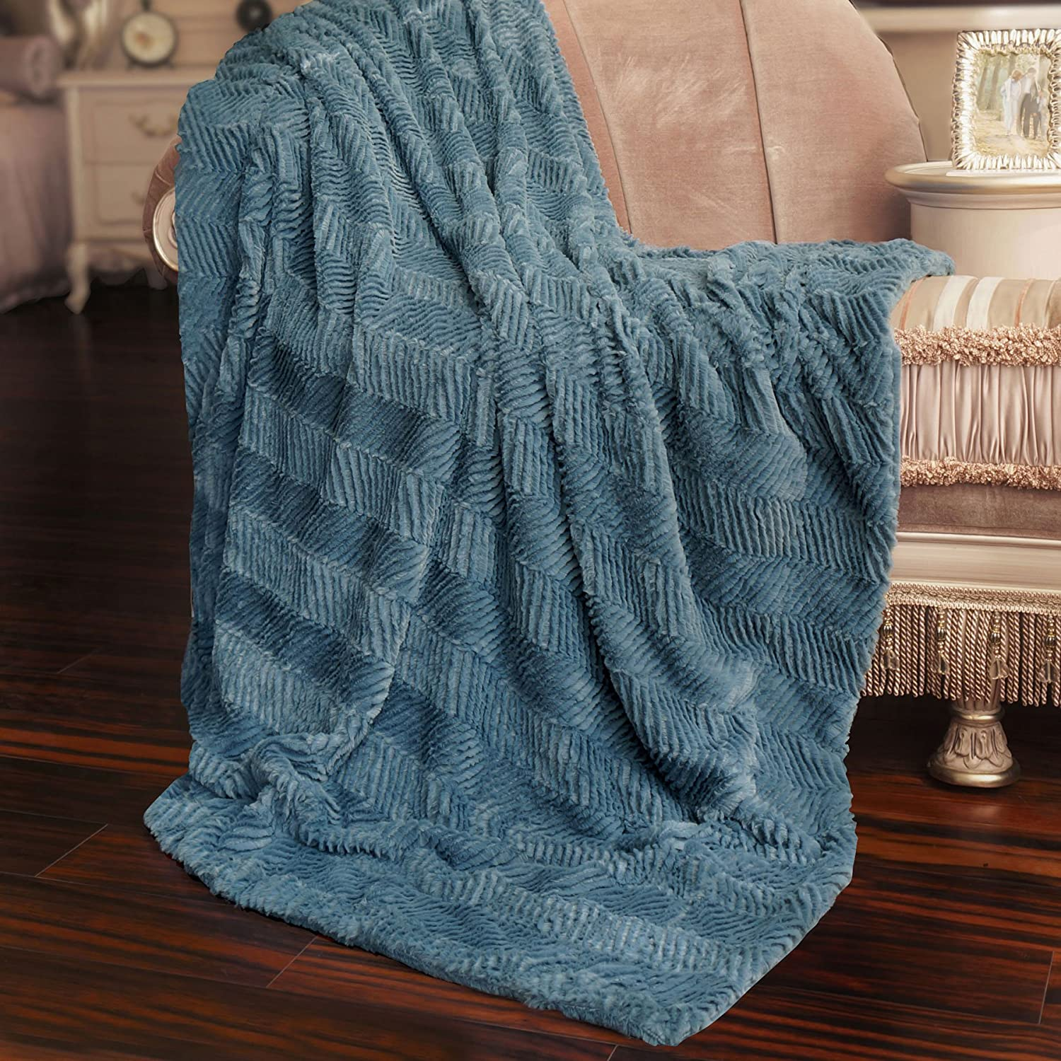 Home Soft Things Herringbone Brushed Throw with Faux Fur Sherpa Backing, 50
