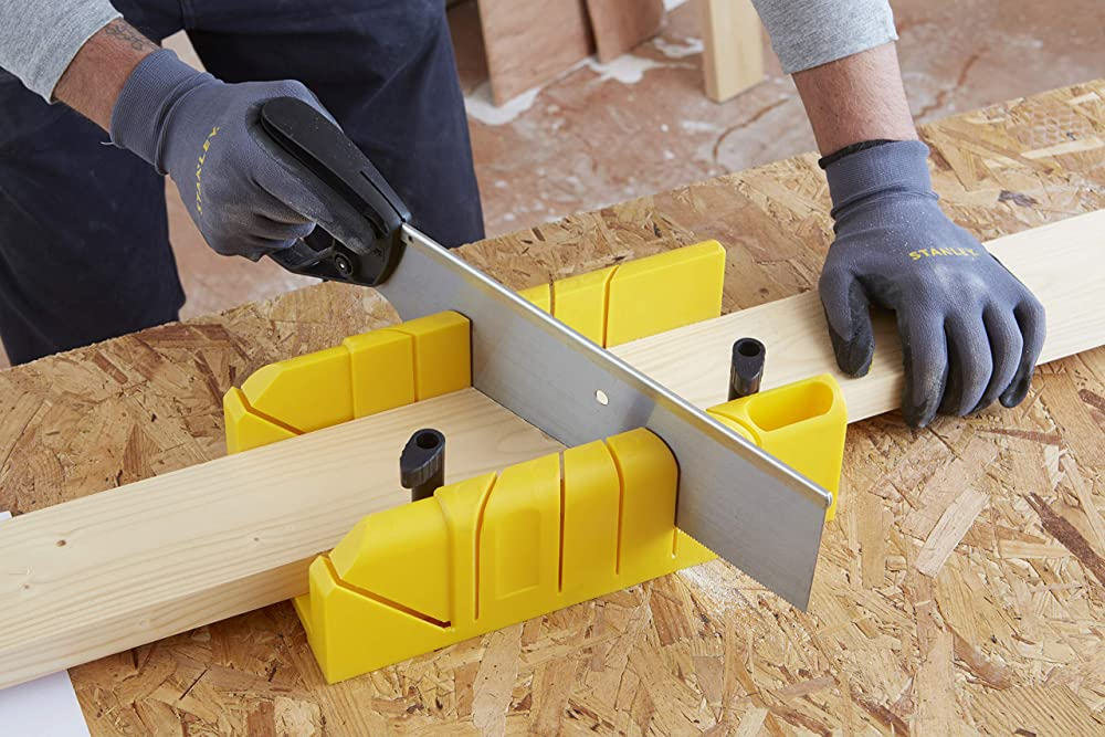 How To Cut Baseboard Corners With Hand Saw