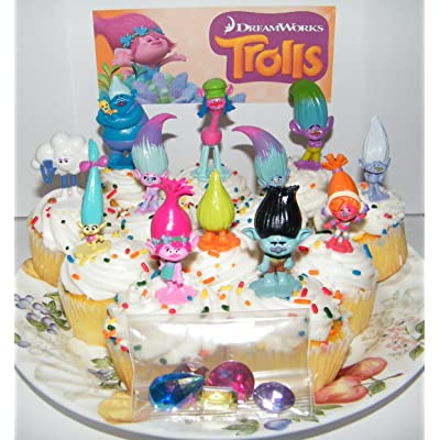 Cake Toppers DreamWorks Trolls Movie Deluxe Party Favors Goody Bag Fillers Set of 17 with Figures and Treasure Troll Jewels Featuring Princess Poppy, Branch and Many More!: Toys & Games