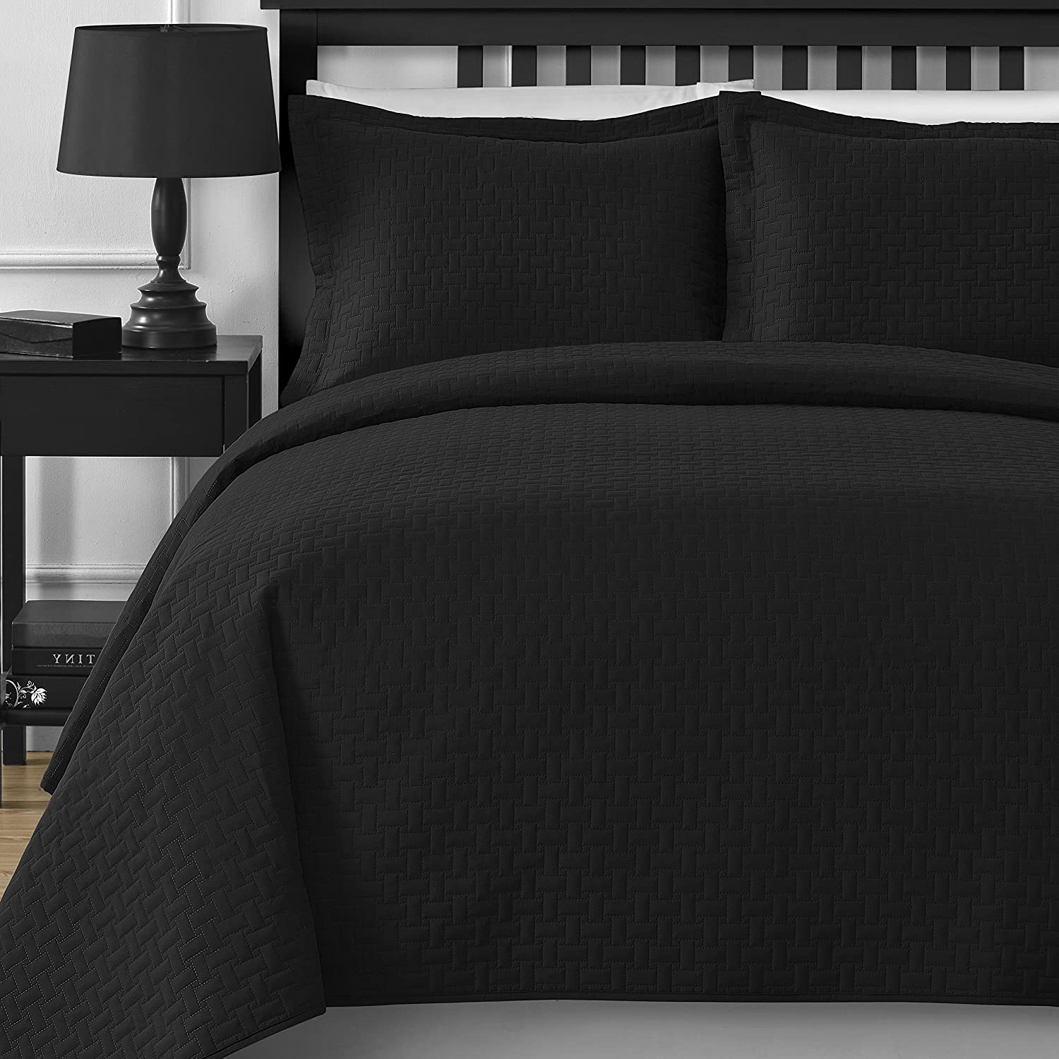 Comfy Bedding Extra Lightweight Modern Wireless Thermal Pressing Frame Quilted 3-Piece Oversize Bedspread Coverlet Set (King/Cali King, Black)
