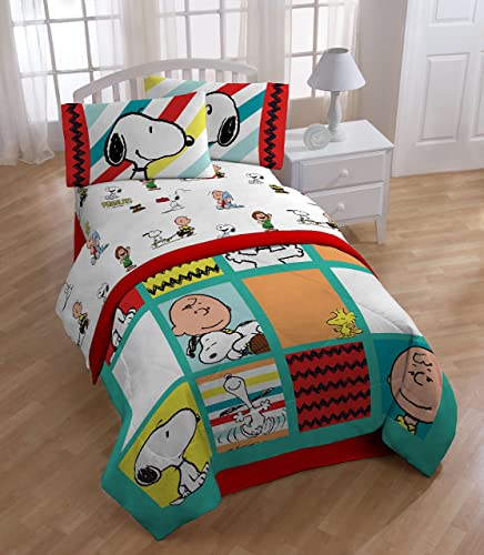 Peanuts Best Friend Reversible Comforter