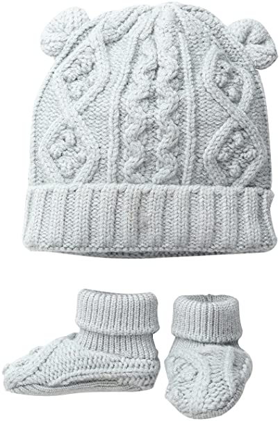 9c40d17e1 Amazon.com  Toby   Company Baby Nygb Cable Knit Hat   Booties Set ...
