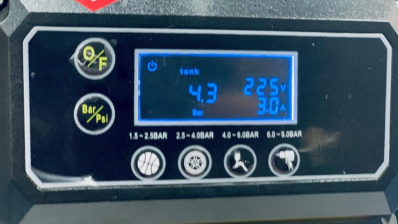 1,5 hp portatile ideale per lavori sia allinterno che allesterno che soffiare gonfiare ed ottimale per lutilizzo di chiodi e pinzatrice pneumatica. Compressore silenzioso 24 litri