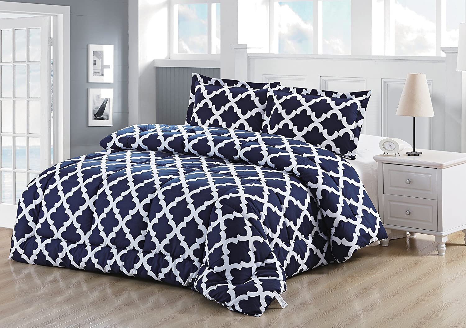 Printed Comforter Set (Navy, King) with 2 Pillow Shams