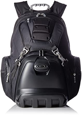 be00f2a47ab Oakley Lunch Box Rucksack -  Amazon.co.uk  Sports   Outdoors