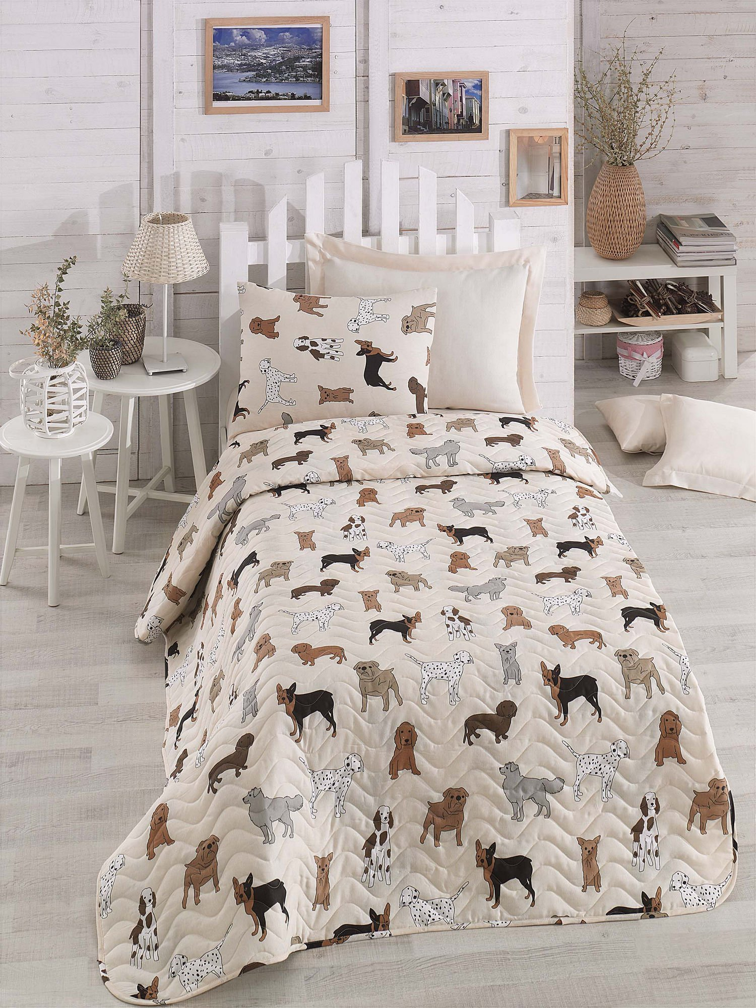 LaModaHome Puppy Bedding Set, 65% Cotton 35% Polyester - Various Dog Breeds, Bulldog, Dalmatian - Set of 2-100% Fiber Filling Coverlet and Pillowcase for Single Bed