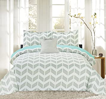 Perfect Sweet Home Collection 4Piece Herringbone Print Reversible Comforter Set  (Full/Queen, King) Images