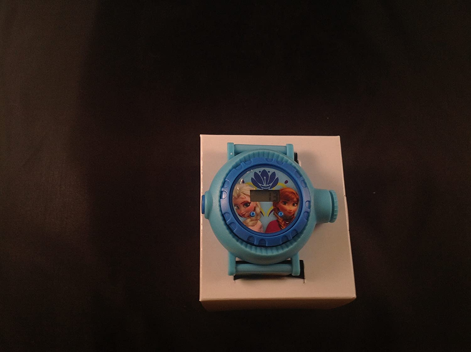 DISNEY FROZEN PROJECTION WATCH