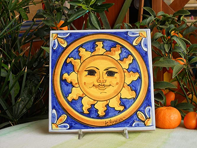 Mattonella in ceramica siciliana dipinta a mano con sole. piastrella