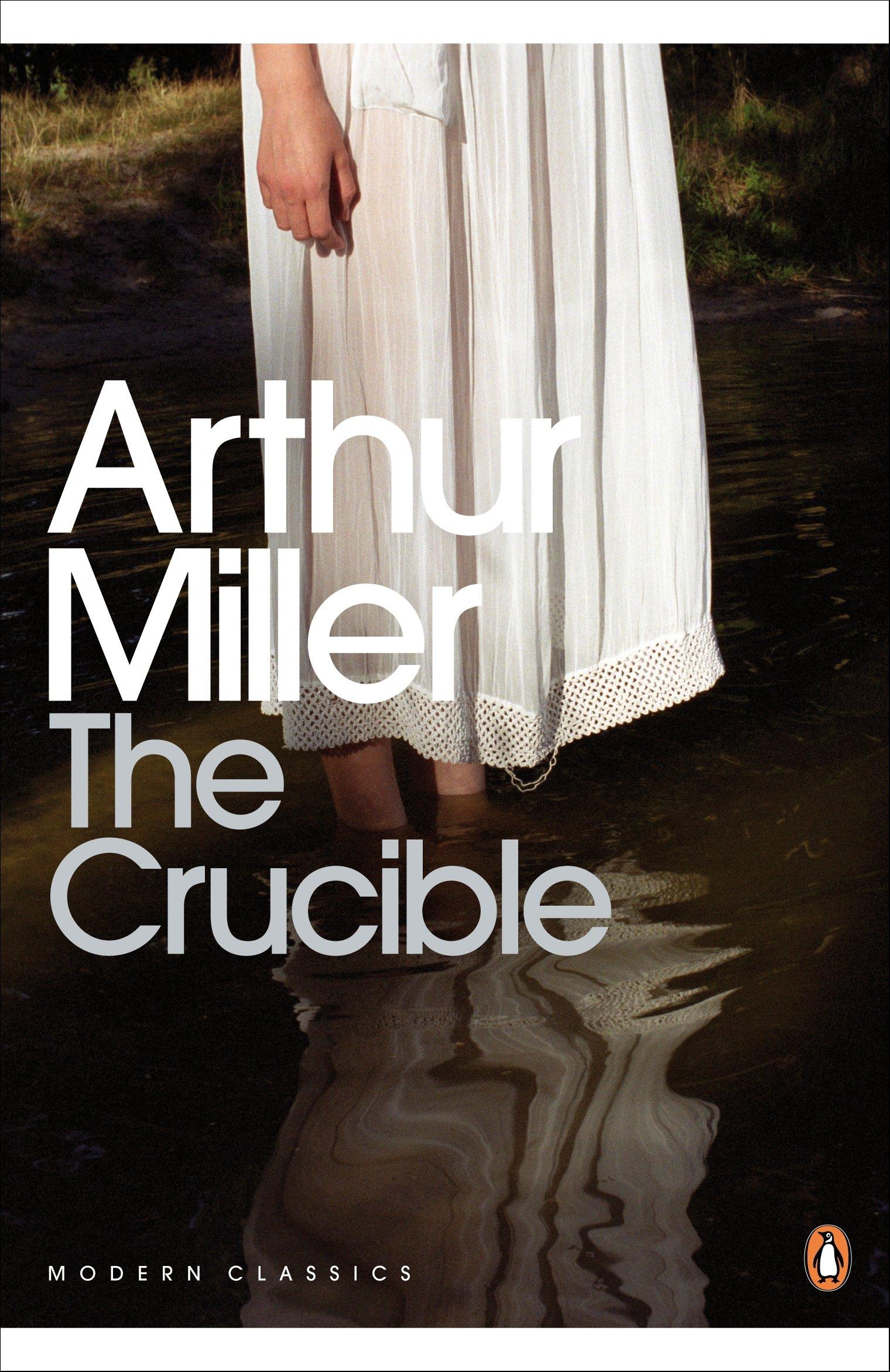 the crucible a play in four acts penguin modern classics the crucible a play in four acts penguin modern classics co uk arthur miller 8601300112046 books