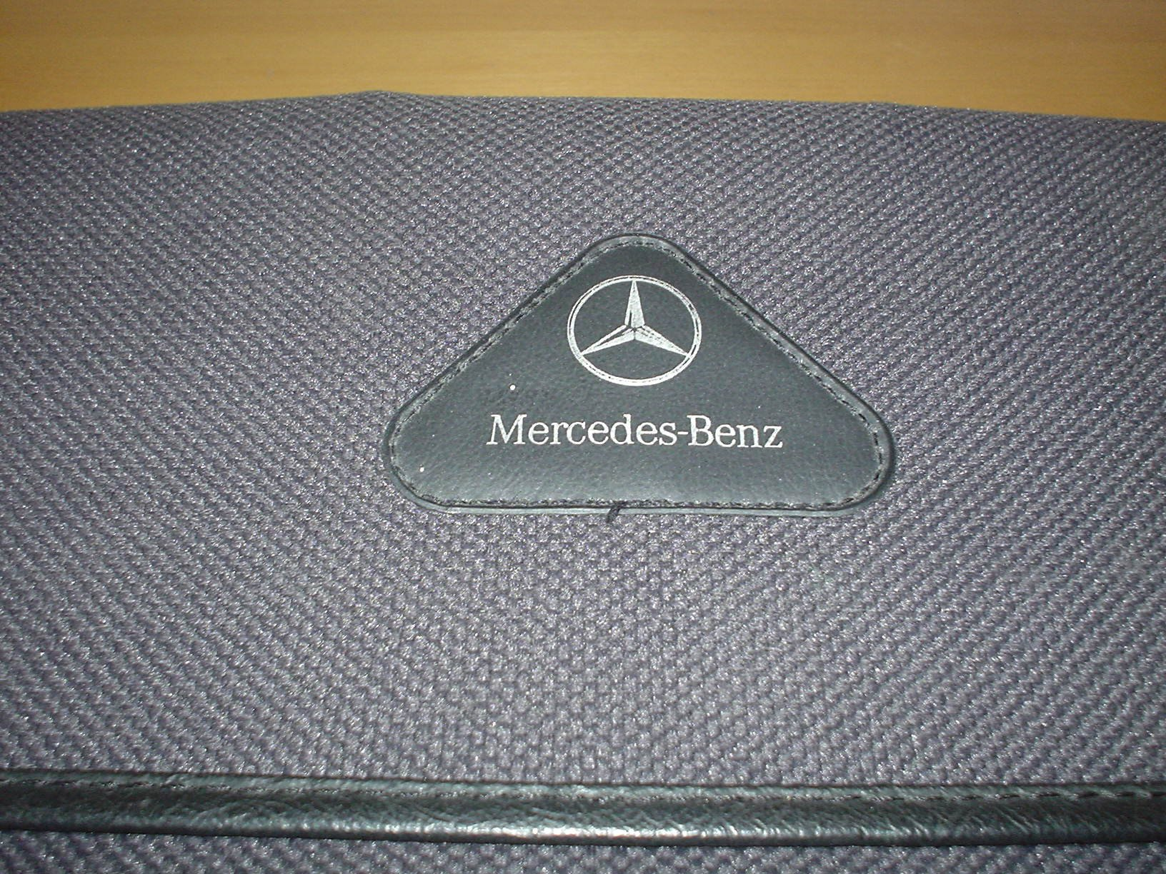 MERCEDES BENZ W210 E-CLASS OWNERS MANUAL HANDBOOK c/w WALLET 1995 - 2002 SALOON & ESTATE - E200 E240 E250 DIESEL E280 4matic E290 TURBODIESEL E300 turbo ...