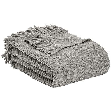 AmazonBasics Chunky Knitted Fringed Throw Blanket - 60 x 80 Inches, Light Grey