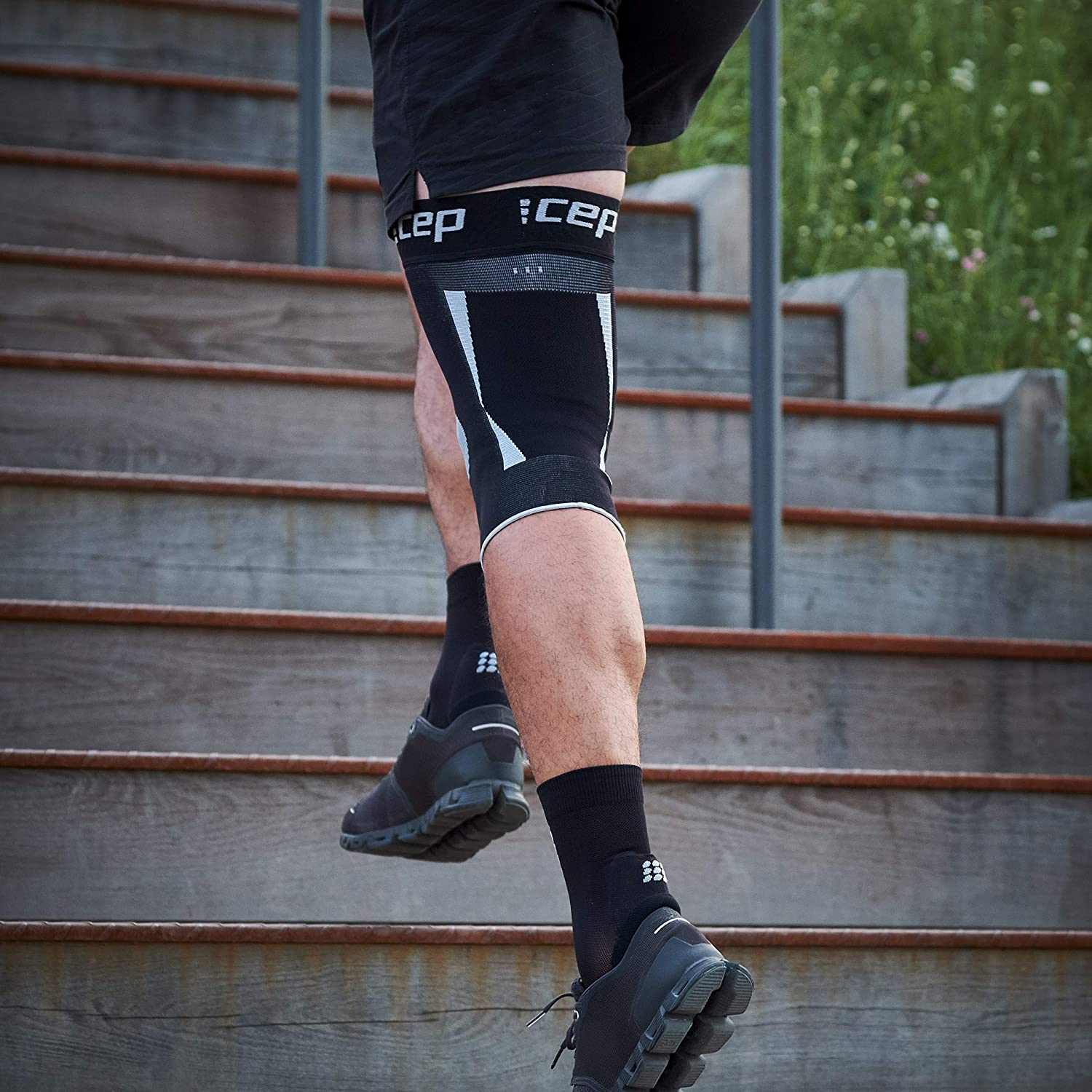 Compression Knee Sleeve 1 Sleeve CEP Knee Brace for Performance /& Pain Relief