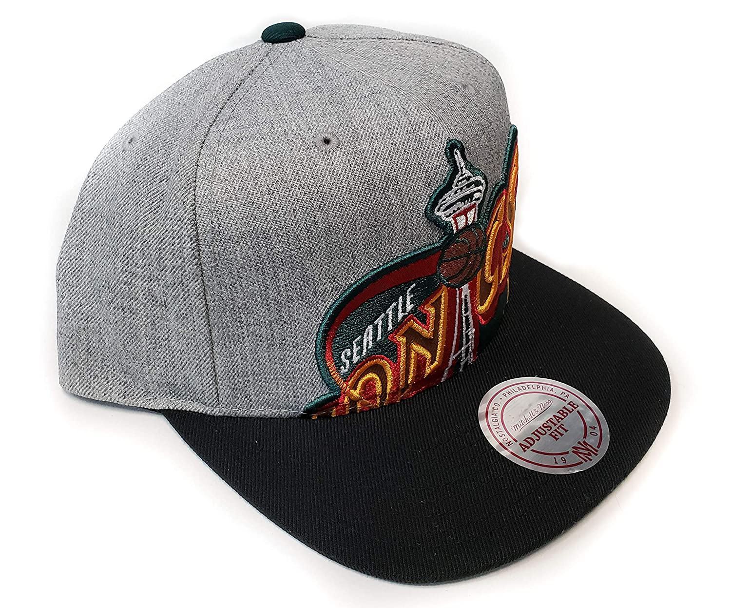 ea8f51bd8d71 Amazon.com   Mitchell   Ness Seattle Supersonics Cropped Split Heather Snapback  Hat   Sports   Outdoors