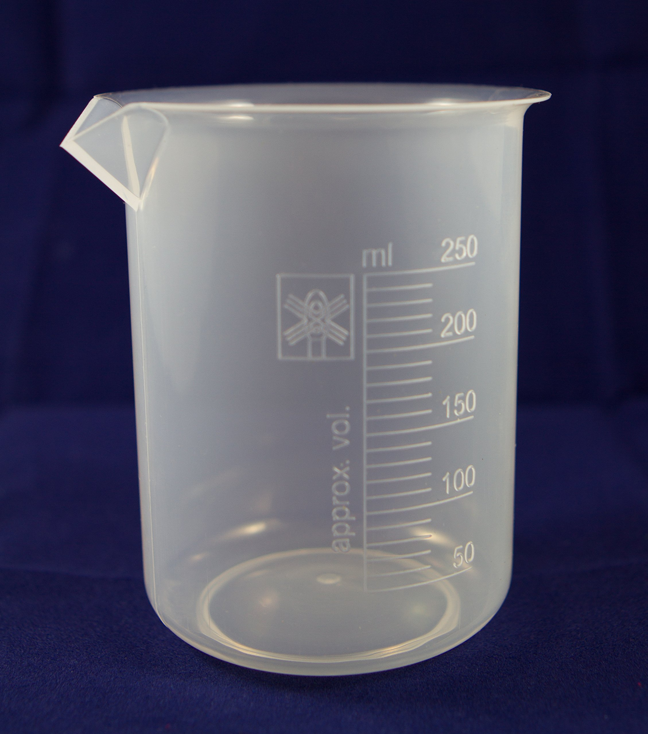 Beaker, Polypropylene 250 ml (12 beakers per package) by Supertek