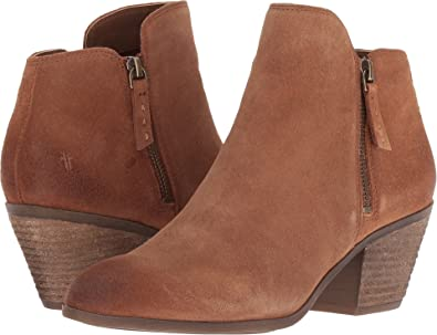 cfae61ea0 Amazon.com  FRYE Womens Judy Zip Bootie  Shoes