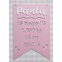 Placa decorativa infantil de madera en forma de banderín personalizada con el nombre y datos de nacimiento bebé infantil…
