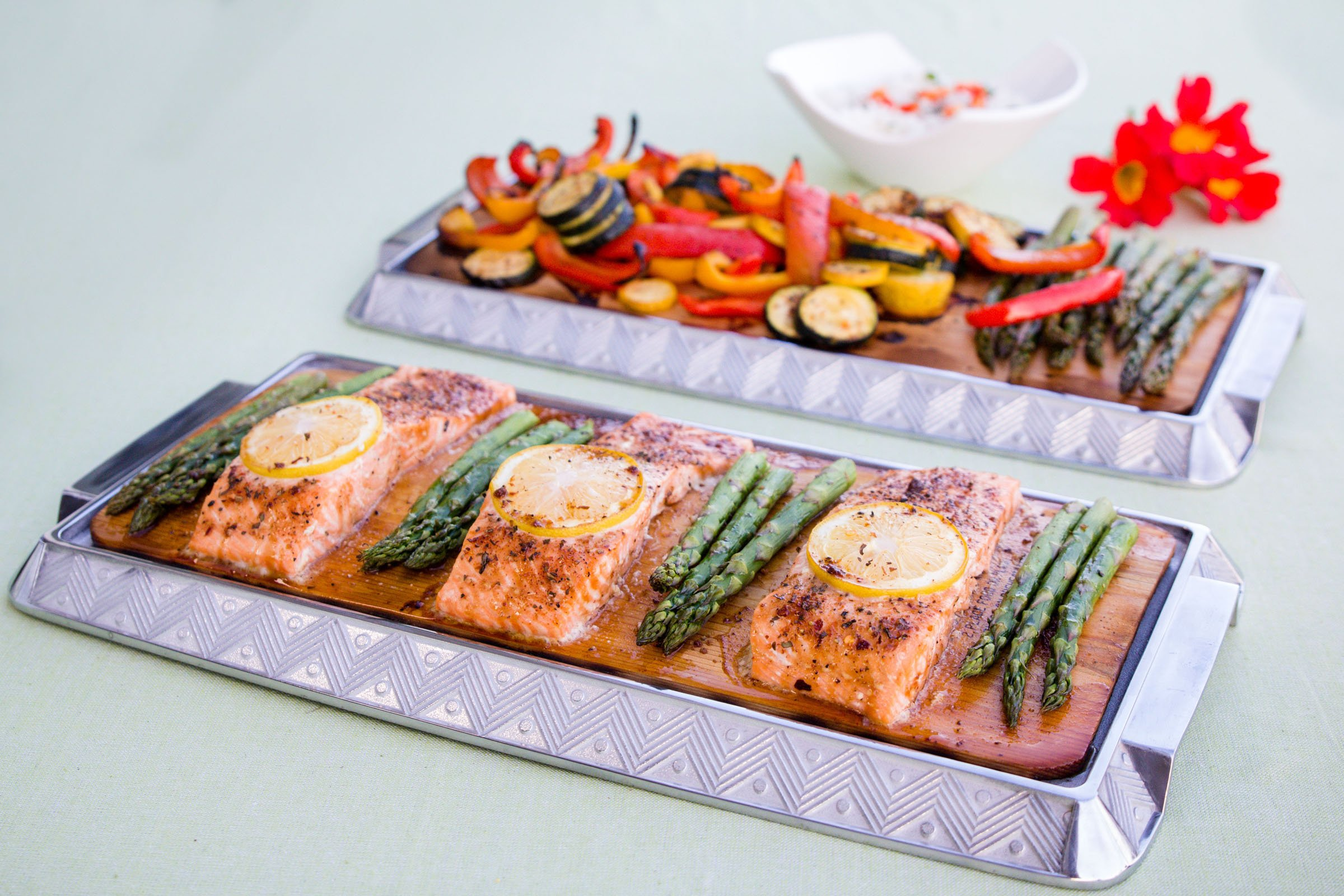 Coastal Cuisine 14 Pack 7x16'' Cedar Grilling Planks + Aluminum Serving Platter – Perfect for any grilling enthusiast.  Enjoy delicious restaurant quality meals and a stunning presentation. by Coastal Cuisine (Image #3)