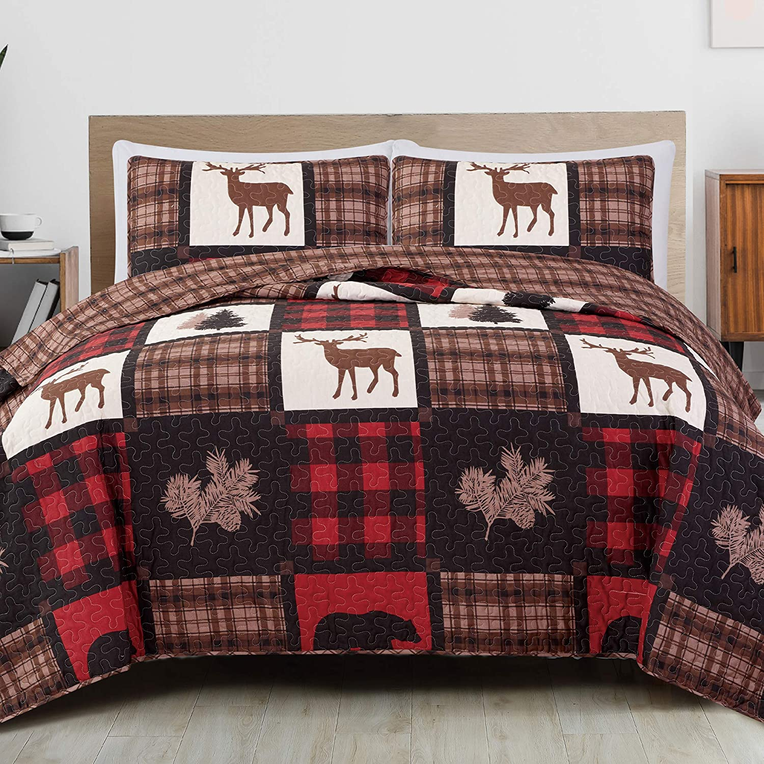 Great Bay Home Lodge Bedspread King Size Quilt with 2 Shams. Cabin 3-Piece Reversible All Season Quilt Set. Rustic Quilt Coverlet Bed Set. Stonehurst Collection. (Red/Black)