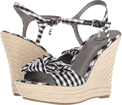 d3a30f287695 G by GUESS Women s Dalina Black White 10 ...