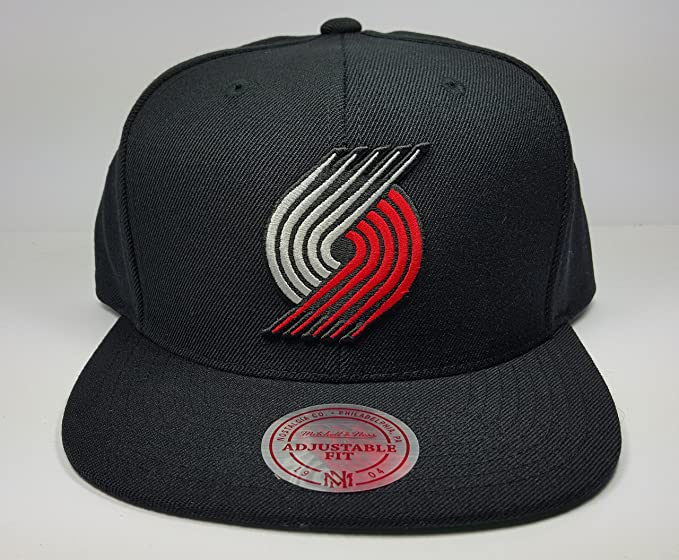 best loved ae661 062c7 Image Unavailable. Image not available for. Color  Mitchell   Ness Portland  Trail Blazers ...