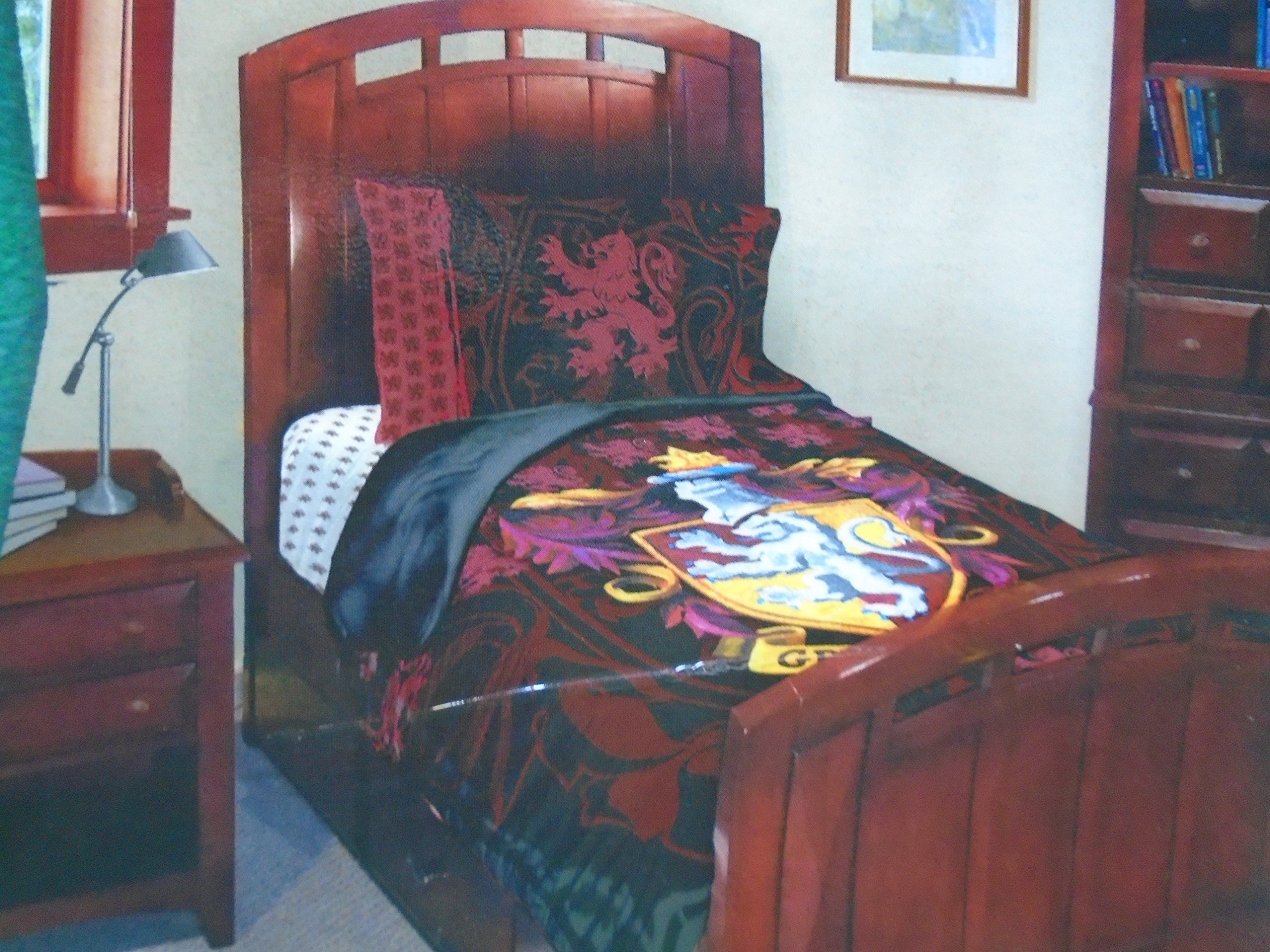 Harry Potter Order of the Phoenix ''Gryffindor House'' Twin Comforter and Pillowcase Set